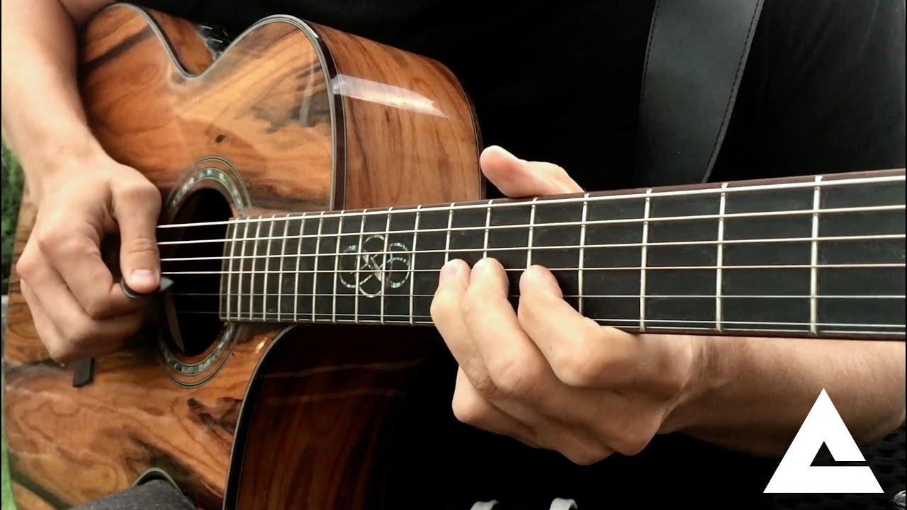 Cách cầm đàn Guitar